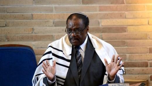 http://www.blackjews.org/wp-content/uploads/2014/10/Rabbi-Funnye-8-e1414121148392.jpg